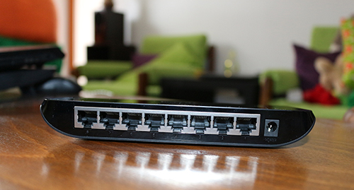 Switch TP-Link TL-SG1008D cu 8 porturi gigabit