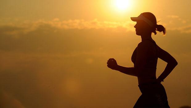 Află cu ce te ajută 15 minute de alergat zilnic